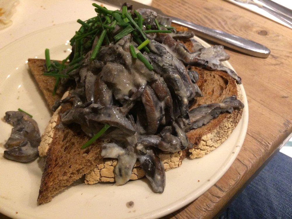vegan_london_le_pain_quotidien_vegan_mushroom_toast.jpg