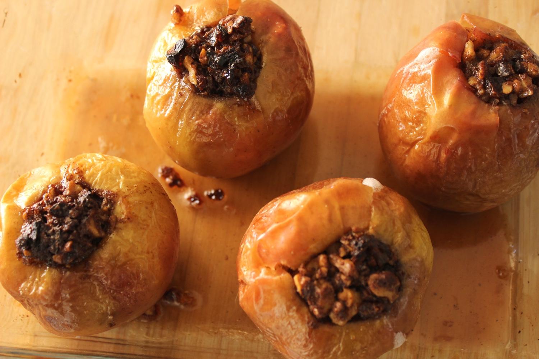 healthy_vegan_desserts_vegan_baked_apples_gluten_free.jpg
