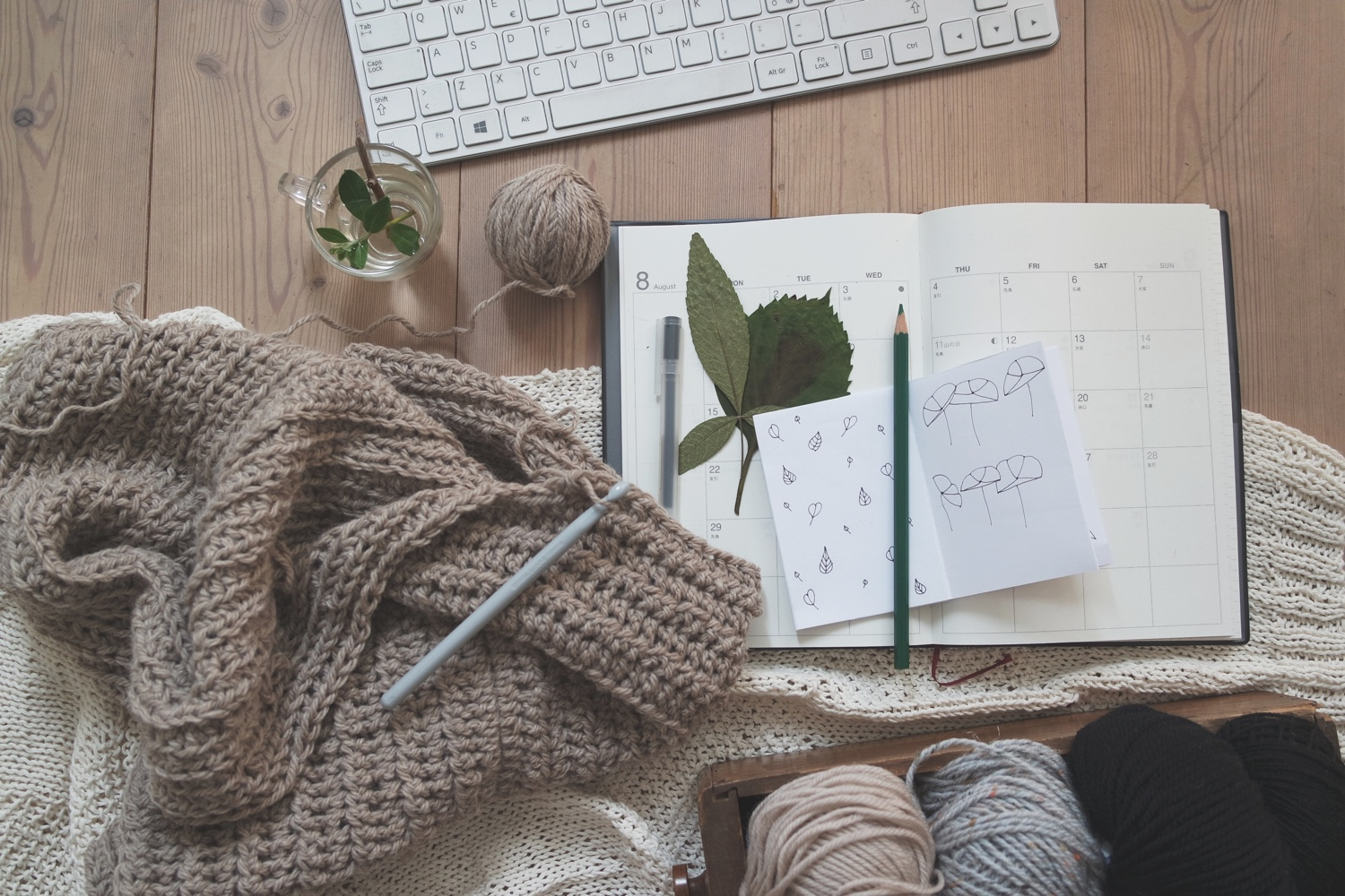 The perfect vegan guide to Hygge, the Scandinavian lifestyle of coziness ! A list of Hygge ideas