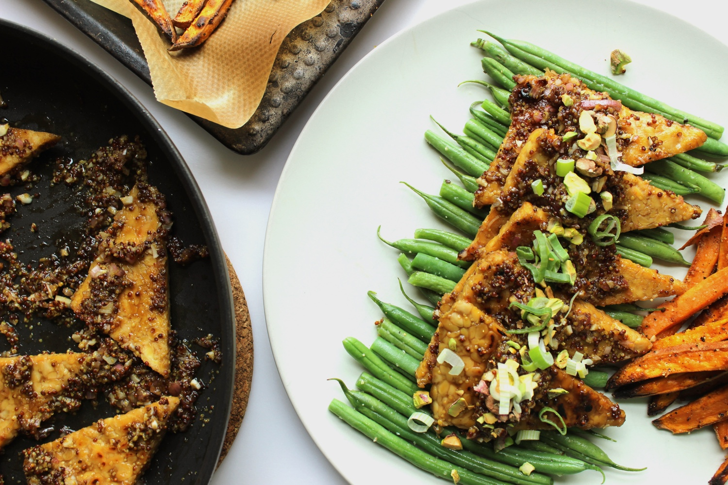 Vegan Maple and Mustard Glazed Tempeh with Crunchy Pistachios and Scallions | Vegan main dishes and recipes