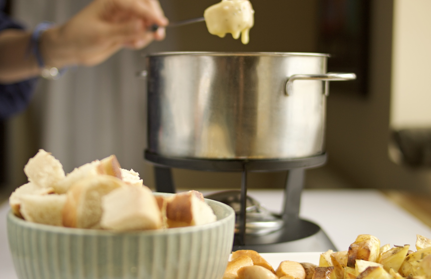 How to make vegan cheese fondue or a vegan cheese sauce or dip
