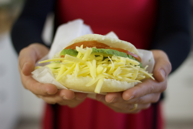 How to make delicious vegan arepas ! Venezuelan street food ! Brownble
