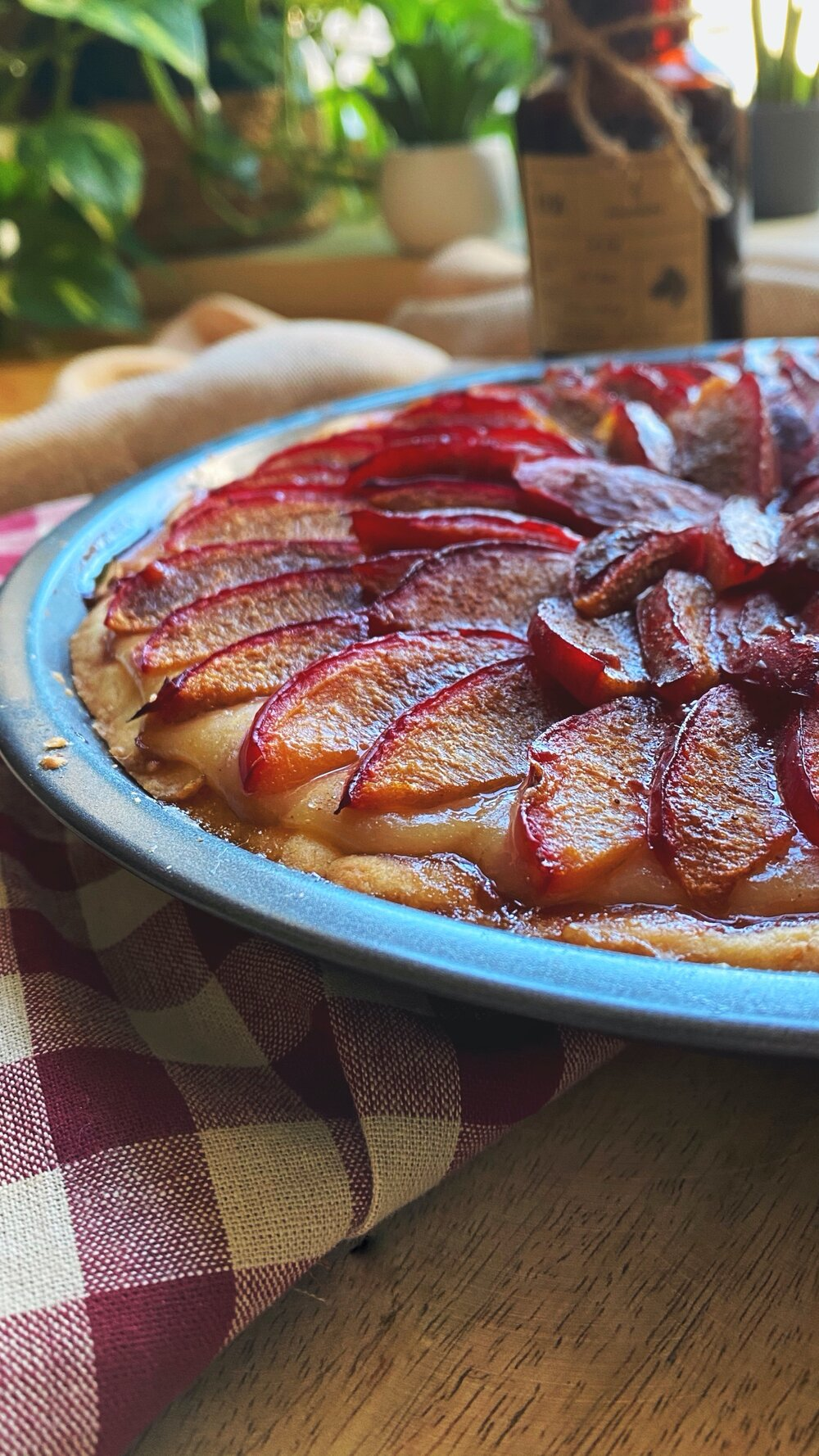 Vegan fruit tart with pastry cream recipe   How to make vegan pastry cream and a delicious vegan plum pie   Brownble