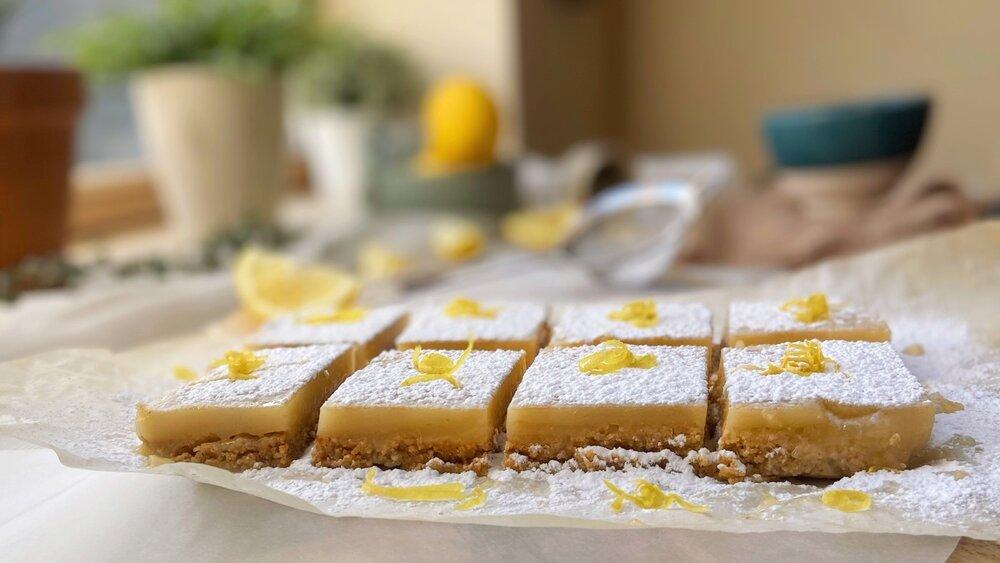Vegan and gluten free lemon bars | Vegan Lemon Squares | Brownble
