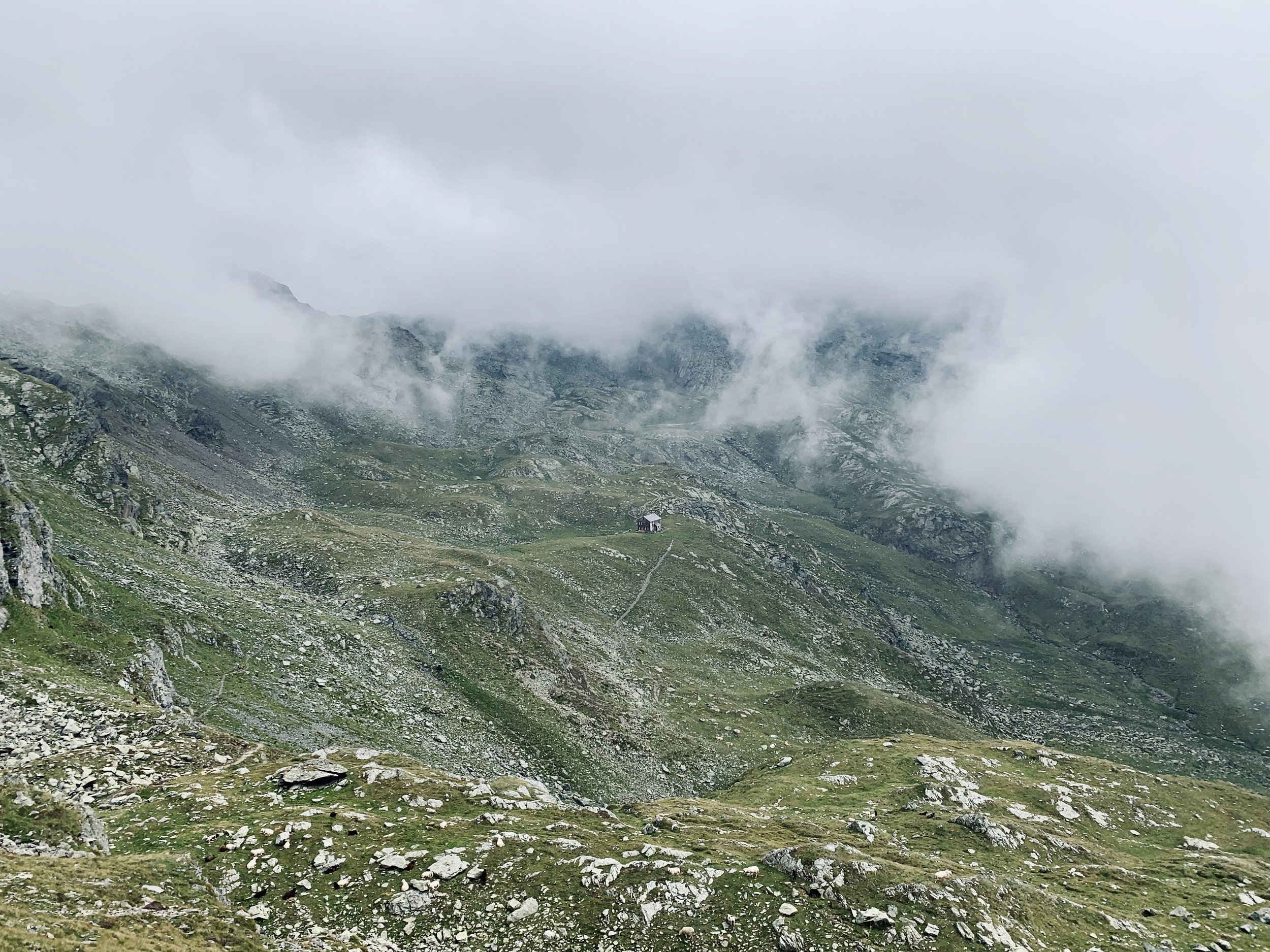 Just before Hugo-Gerbers-Hütte (the small thing in the middle of the picture)