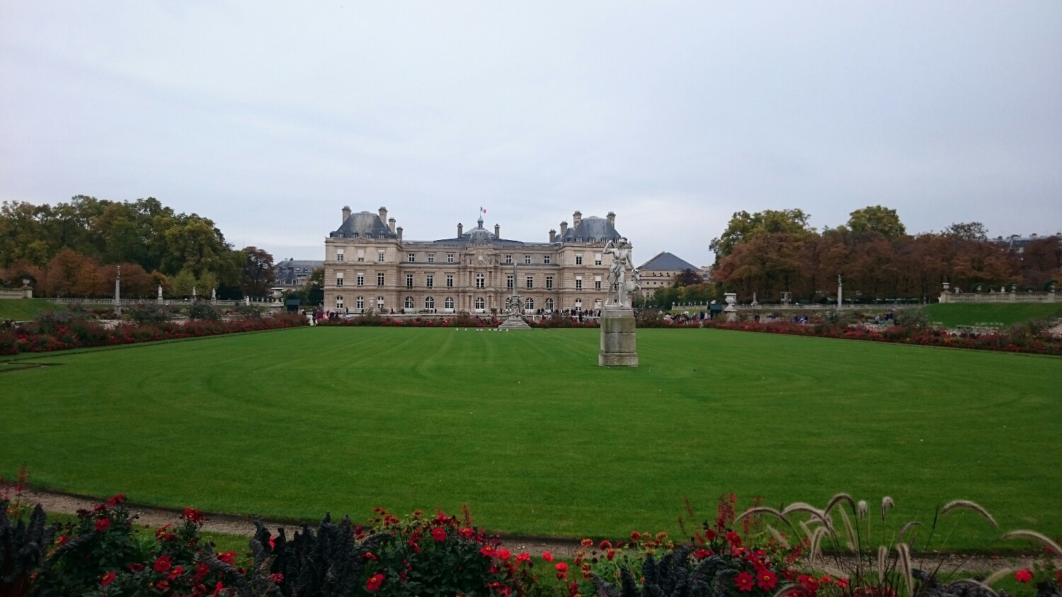Hey Brits, Now THIS is a castle! (Luxembourg Gardens and Castle)