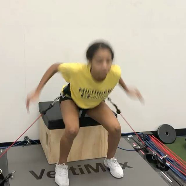 @jaylyn_m27 has been working hard since August and has improved her vertical jump by 5 inches! Utilizing @Vertimax as a tool as shown here as well as following a progressive and planned out strength program has allowed her to see some great results. #verticaljump #volleyball #onelifefitnesssouth #onelifefitnessnorth @explosiveperformance