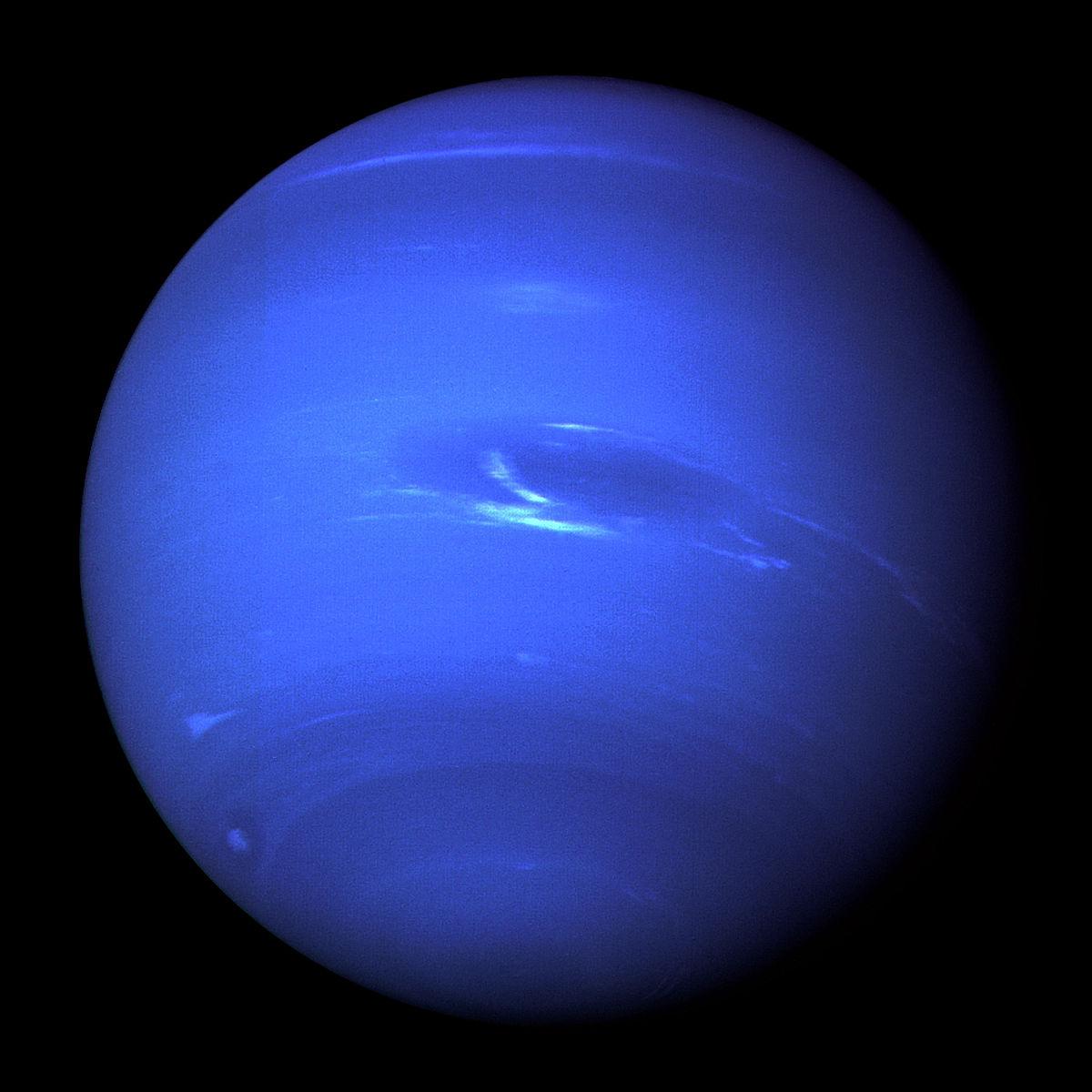 1200px-Neptune_Full.jpg