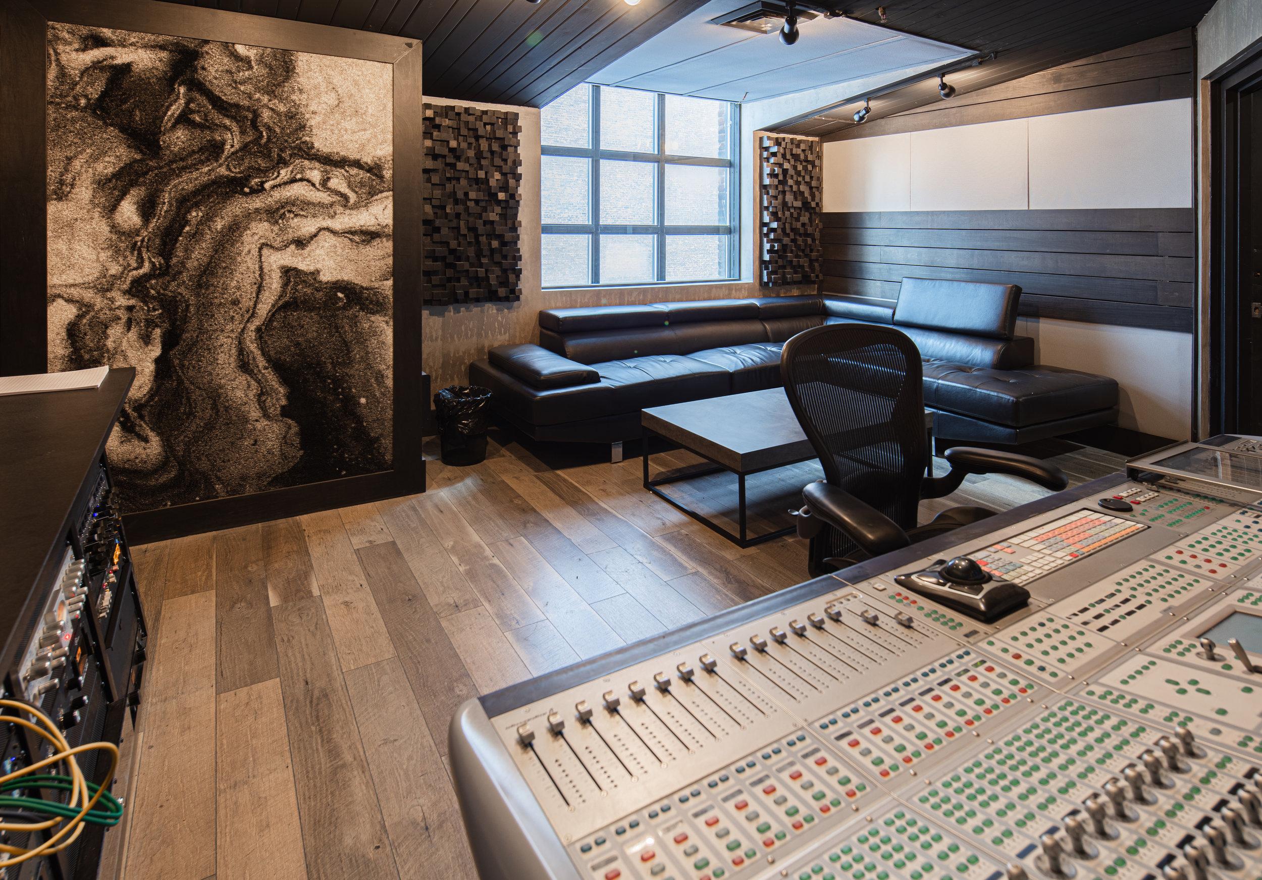Studio Q4
