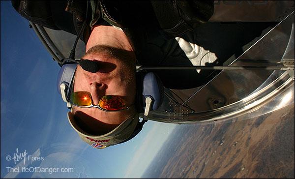 Flying-upside-down-600pxl-©KerryFores.jpg
