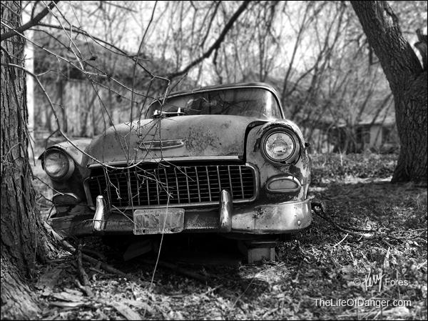 1955_Chevy_abandon_BW_600pxl_(C)KerryFores.jpg