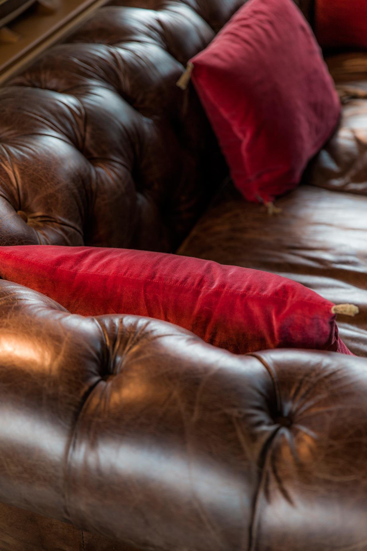 Luxe et confort des salons du Domaine d'Ablon