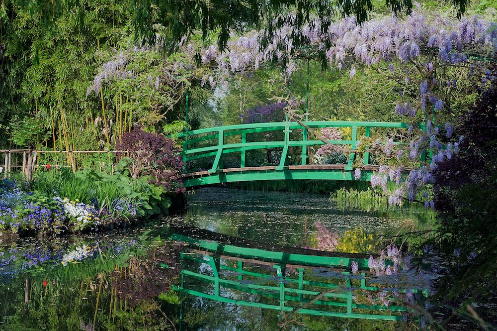 Le_-Pont_Japonais-,_vu_du_bassin_des_Nymphéas - copie.jpg