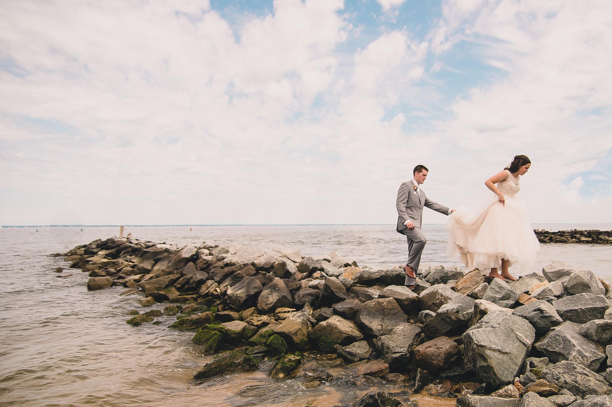 chesapeake bay wedding at silver swan bayside on kent island maryland by jonathan hannah photography