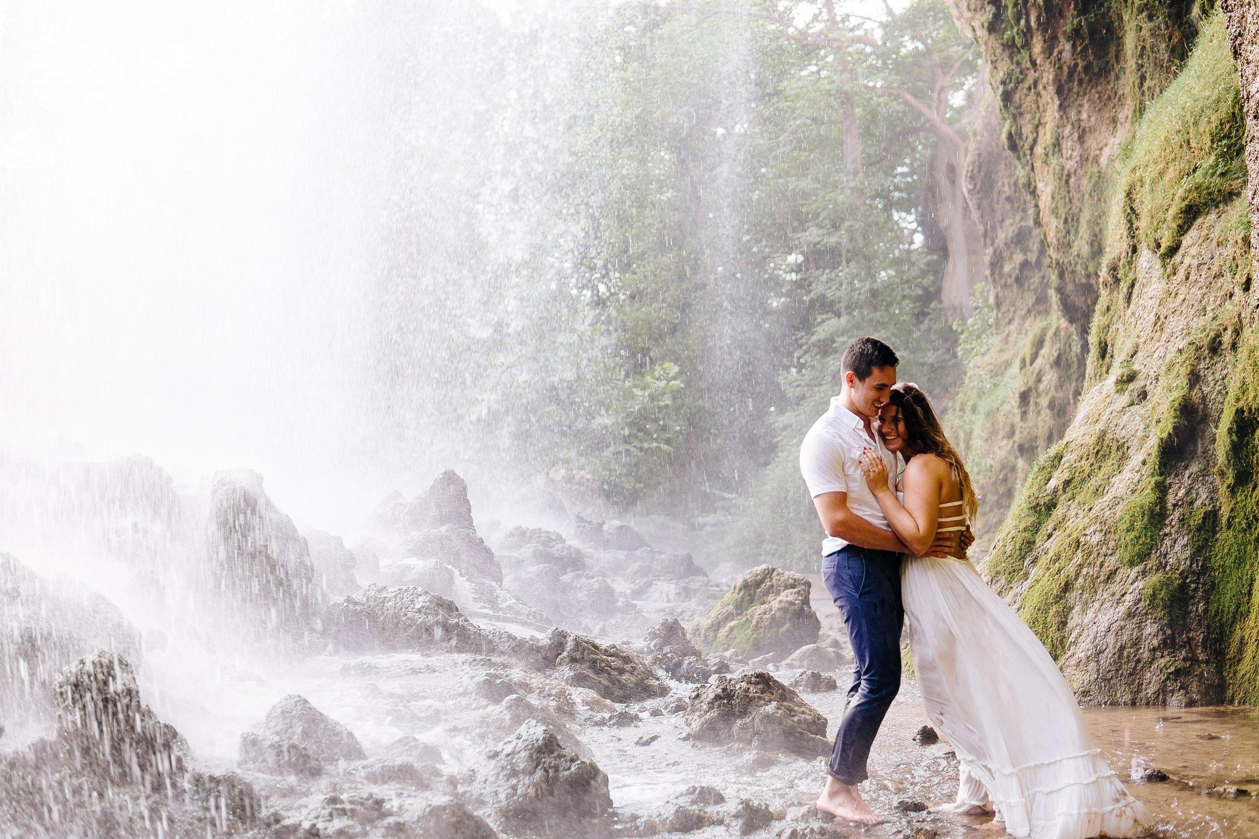 waterfall-engagement-session-shenandoah-Alleghany-Highlands-covington-va-jonathan-hannah-photography