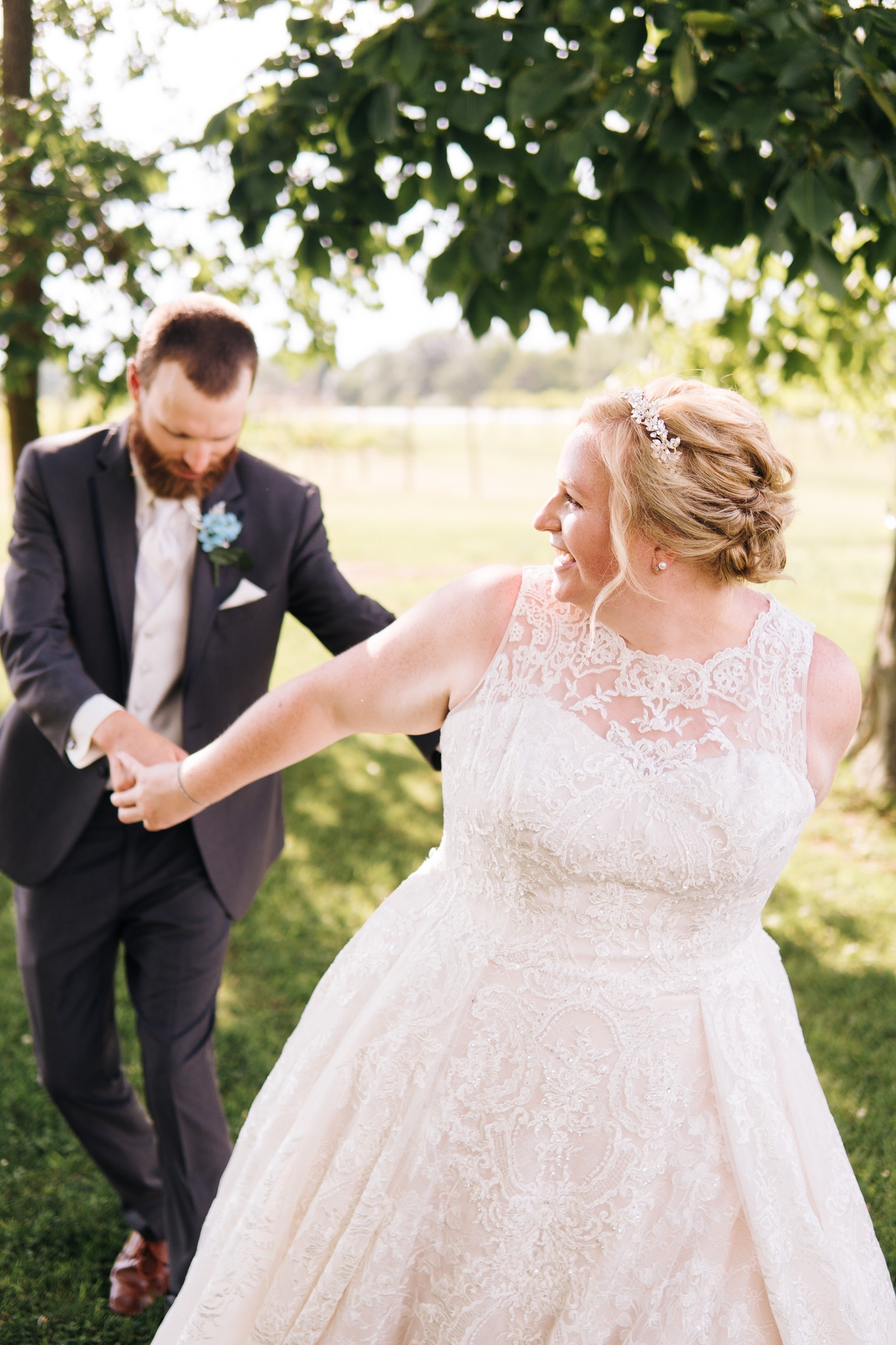 Midwest Chicago Vineyard Wedding by Jonathan Hannah Photography-24.jpg