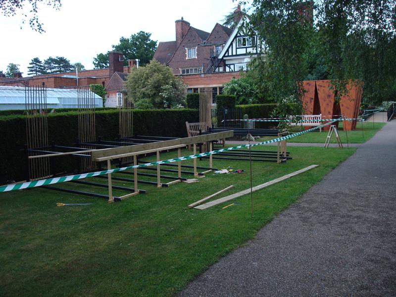 Leicester Installation of sculpture 2009 ddd.jpg