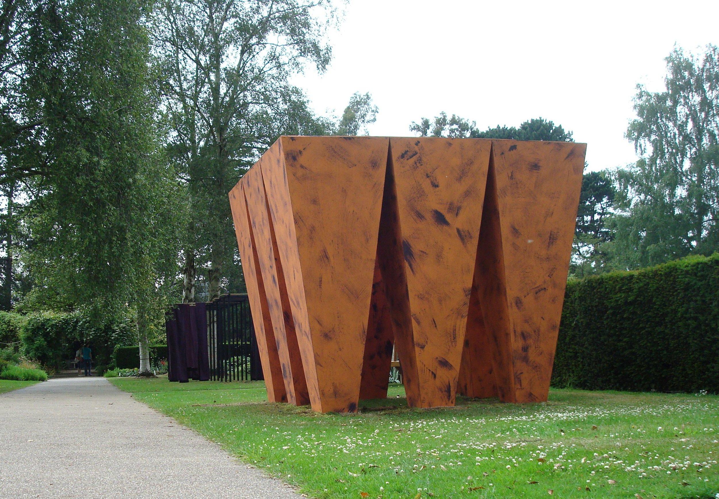 """2009 """"Skylight"""" Harold Martin Botanic Garden, Leicester, England, temporary sculpture for an exhibition. timber colour."""