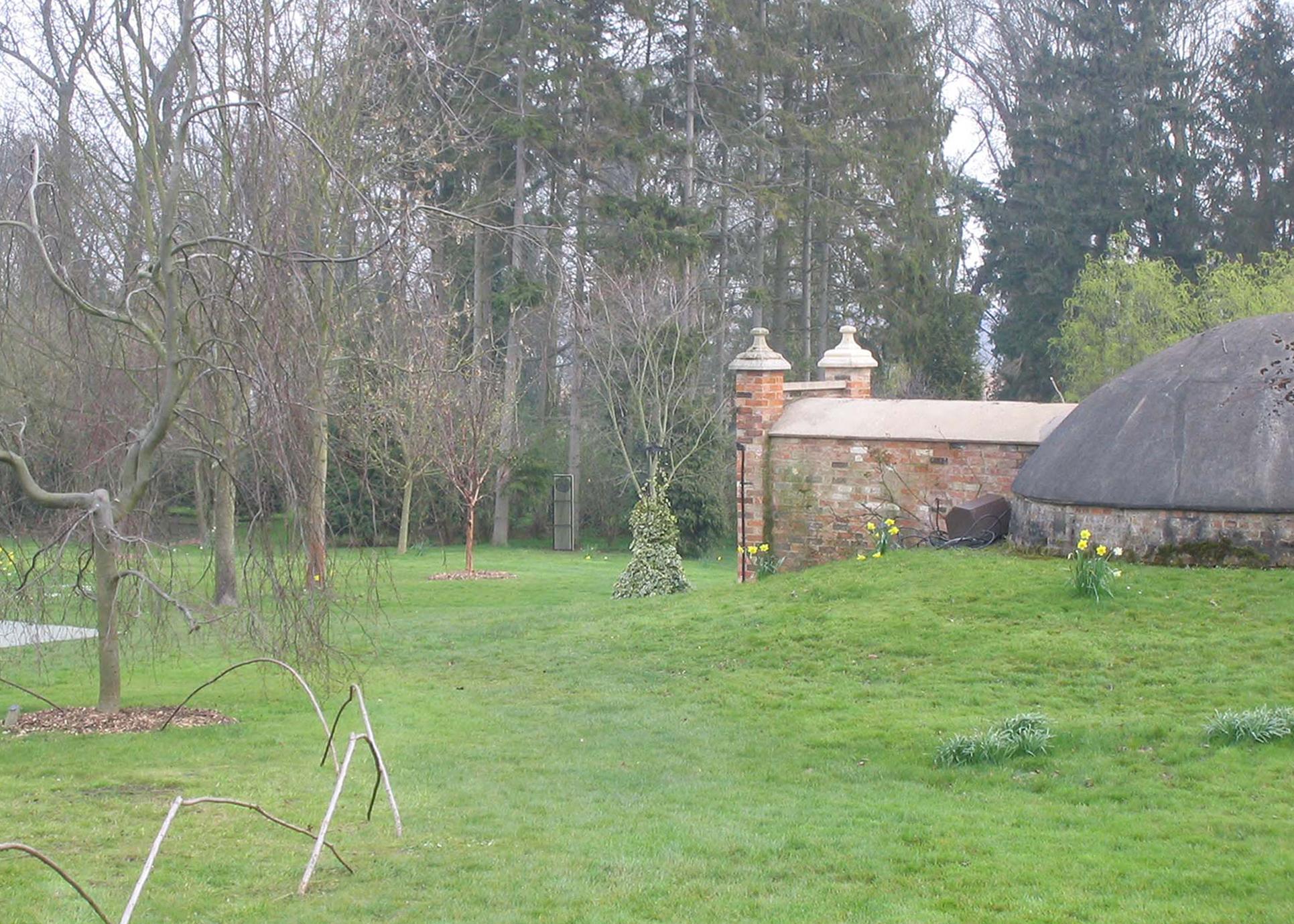 "2007 ""Memory II"" Burghley House Sculpture Garden, Stamford."