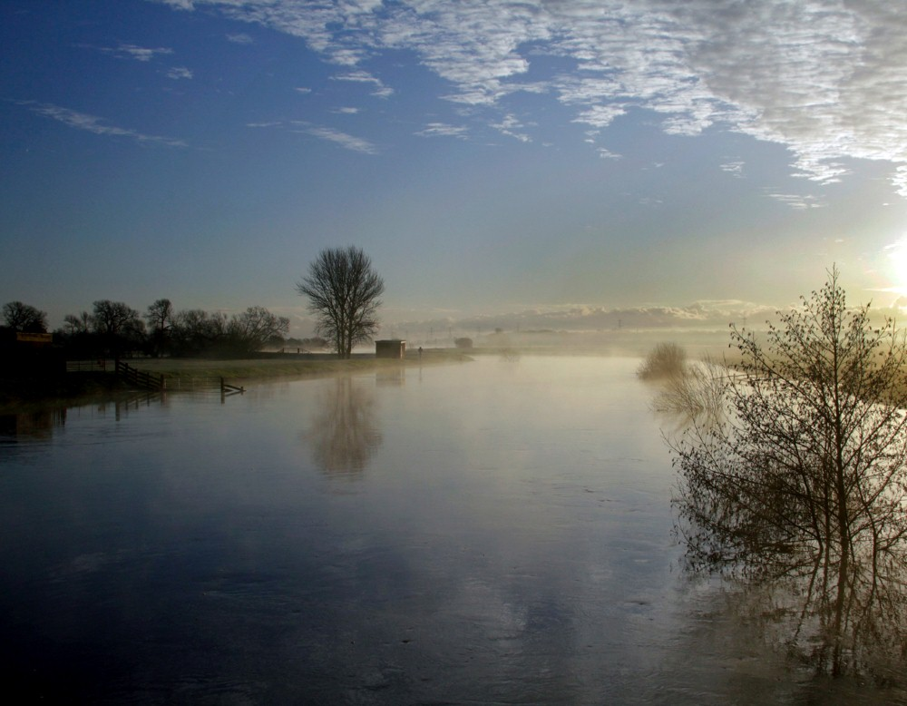 FAST FLOODS THE ROTHER by Roger Cooke.jpg