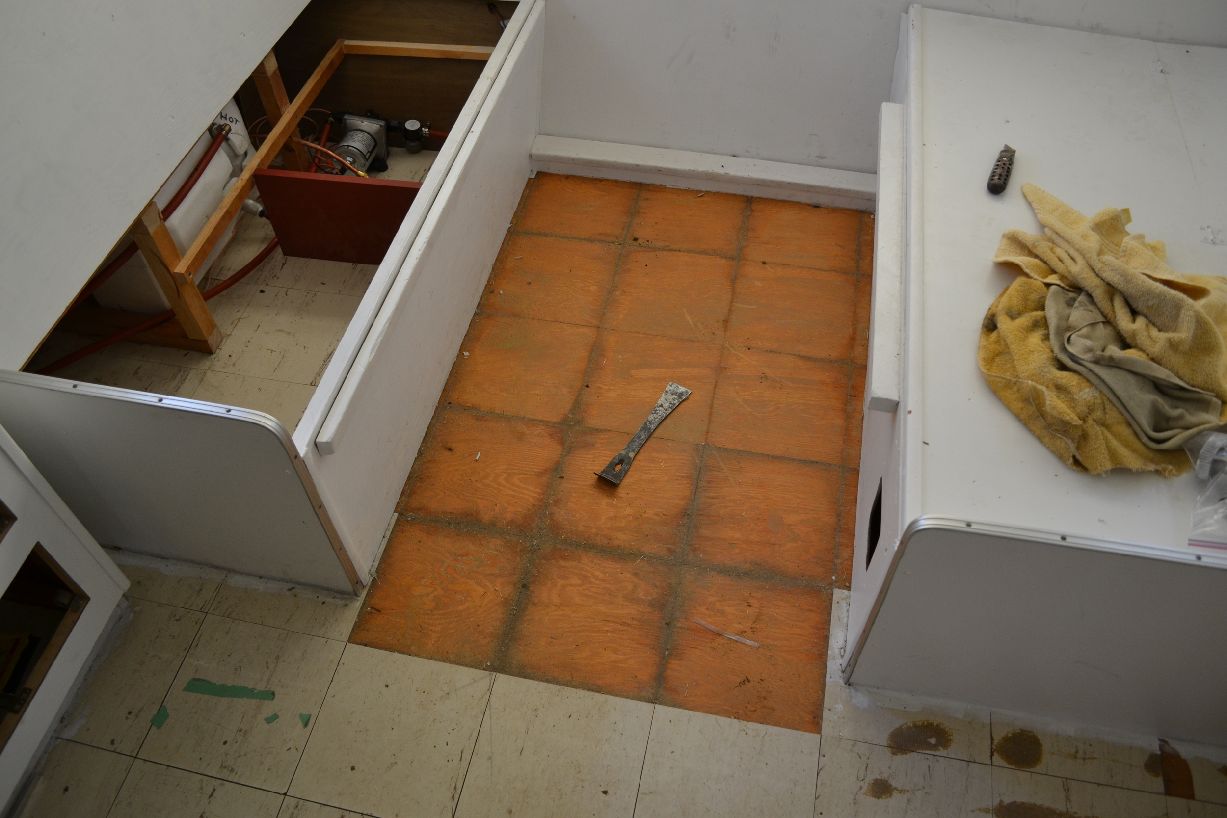 Vaughans using the vaughan bar to get rid of those old tiles.