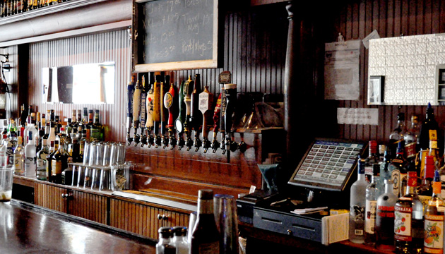 There's a sweet old bar at the Thirsty Whale with lots of local brews on tap!