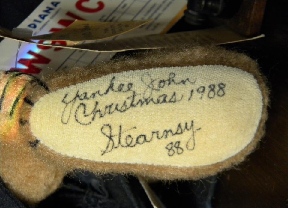 Yankee John. 1988. 2 pictures.