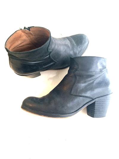 Black-Boots.jpg