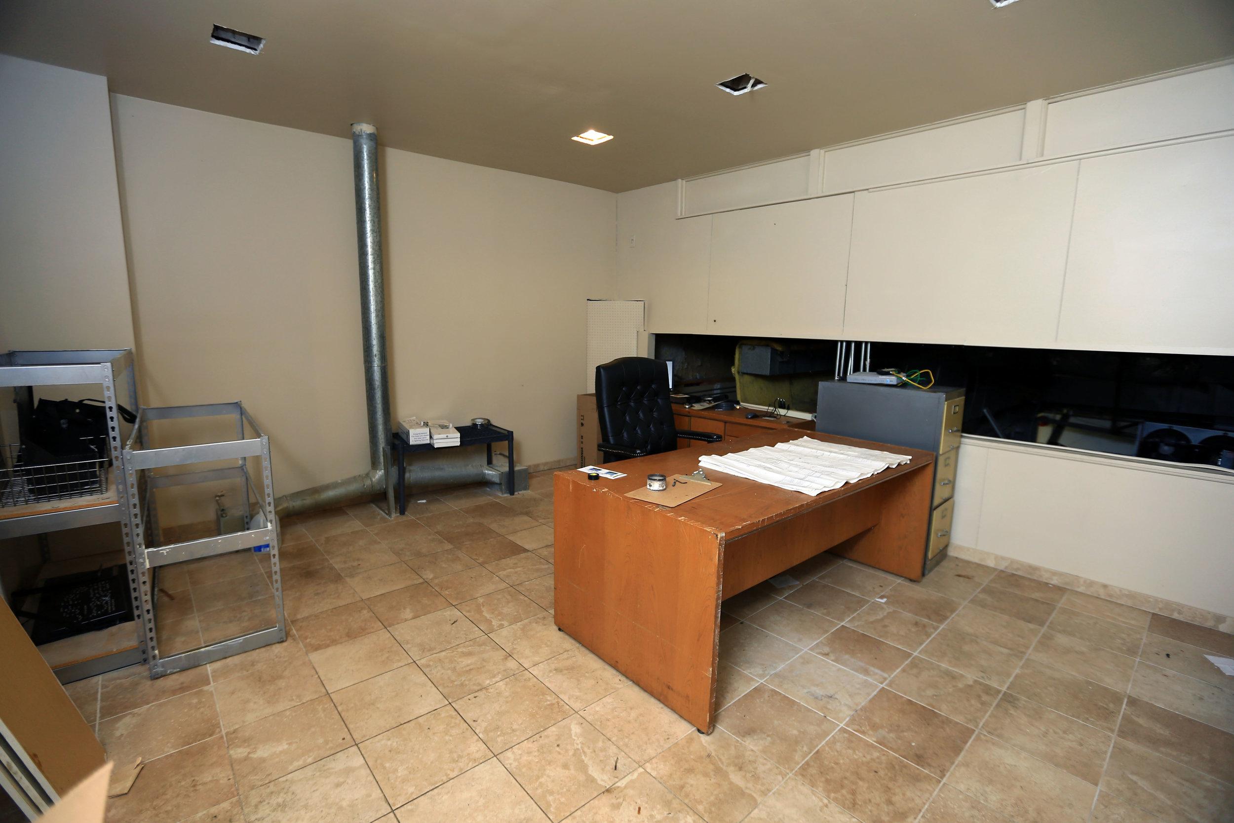 Second level office.jpg