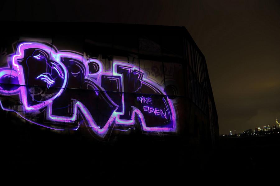 Light_Street_Night_Grafitti_allotment_Frankfurt.jpg