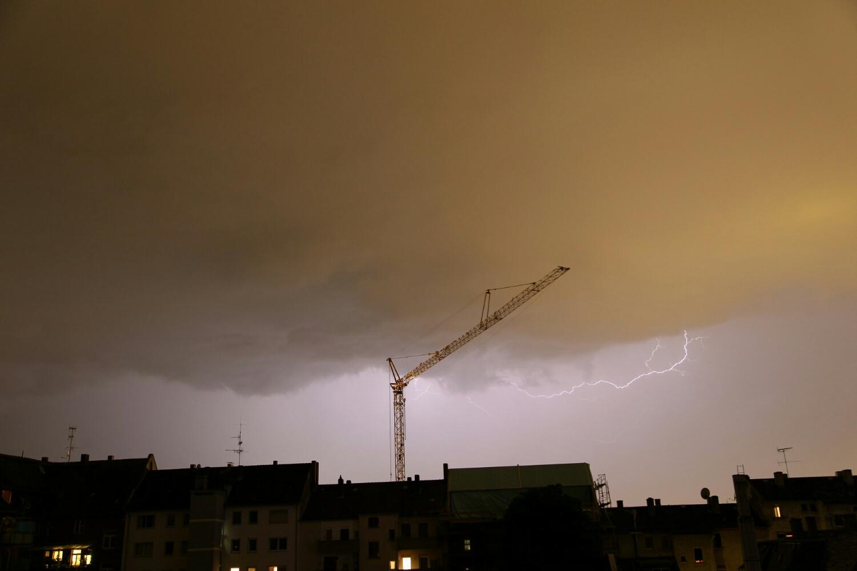 lightning getting closer