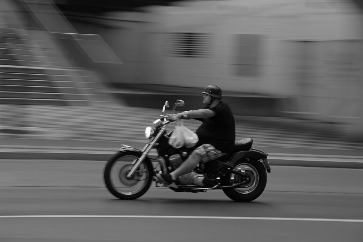 even hell's angels need shopping (Canon 6D)