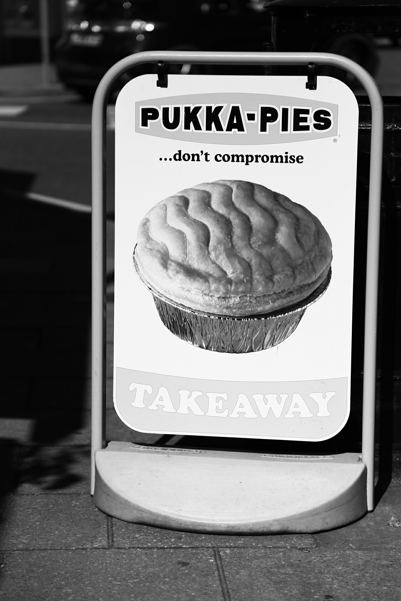 Is this advert for or against pukka pies?
