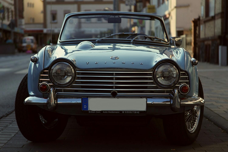 classic British motor - Triumph TR4-A