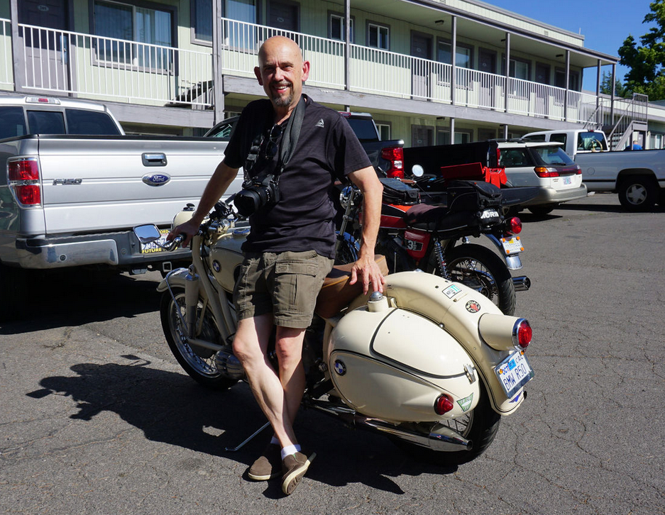 Killer ace man and photographer Craig H. (HIS BIKE IS ELIGIBLE. IT'S RUNNING ON ONE CYLINDER)