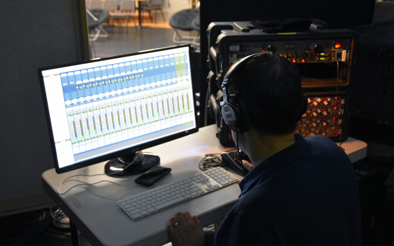 Steve Genewick at the Pro Tools HD Native rig during the sound check