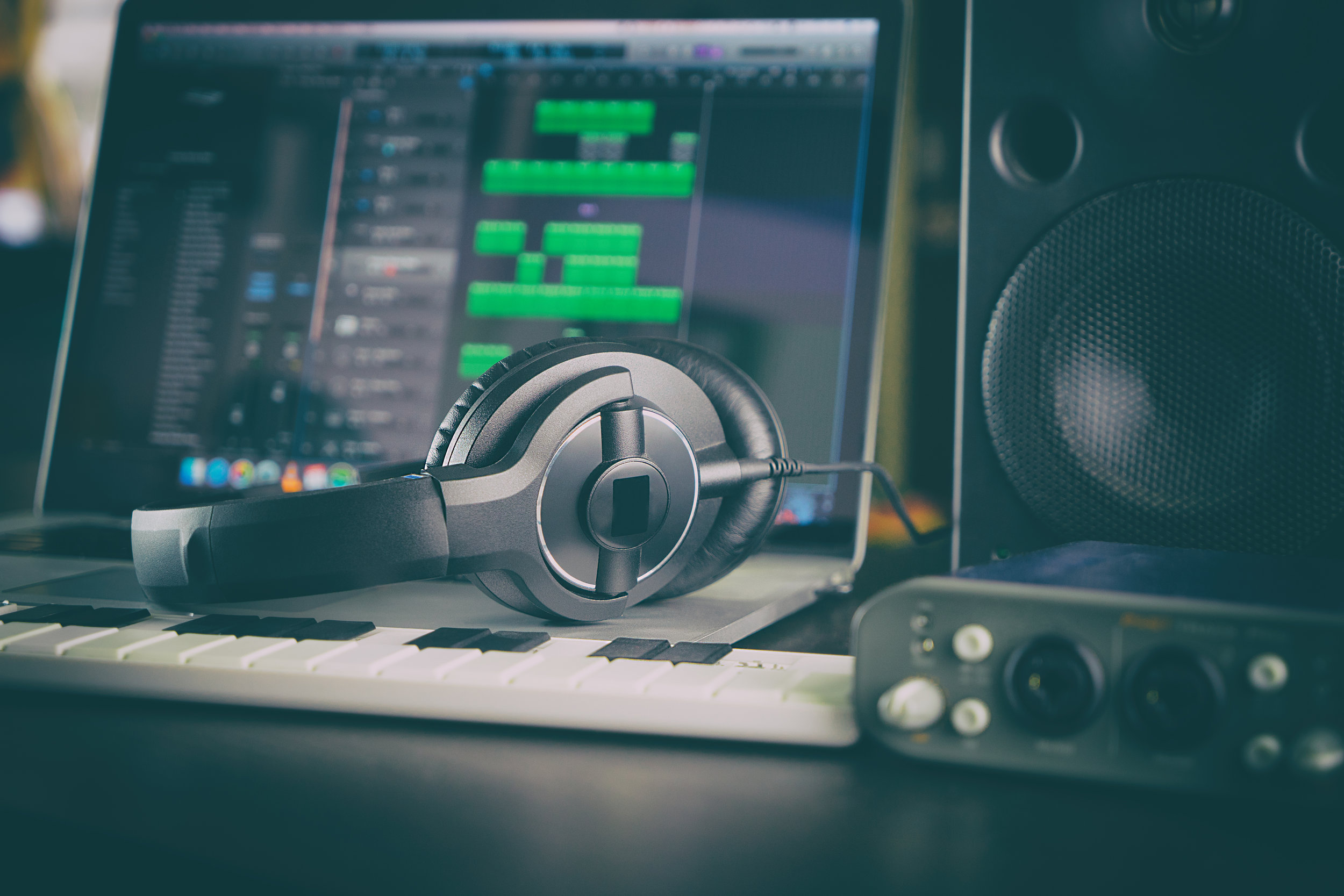how to start a recording studio business