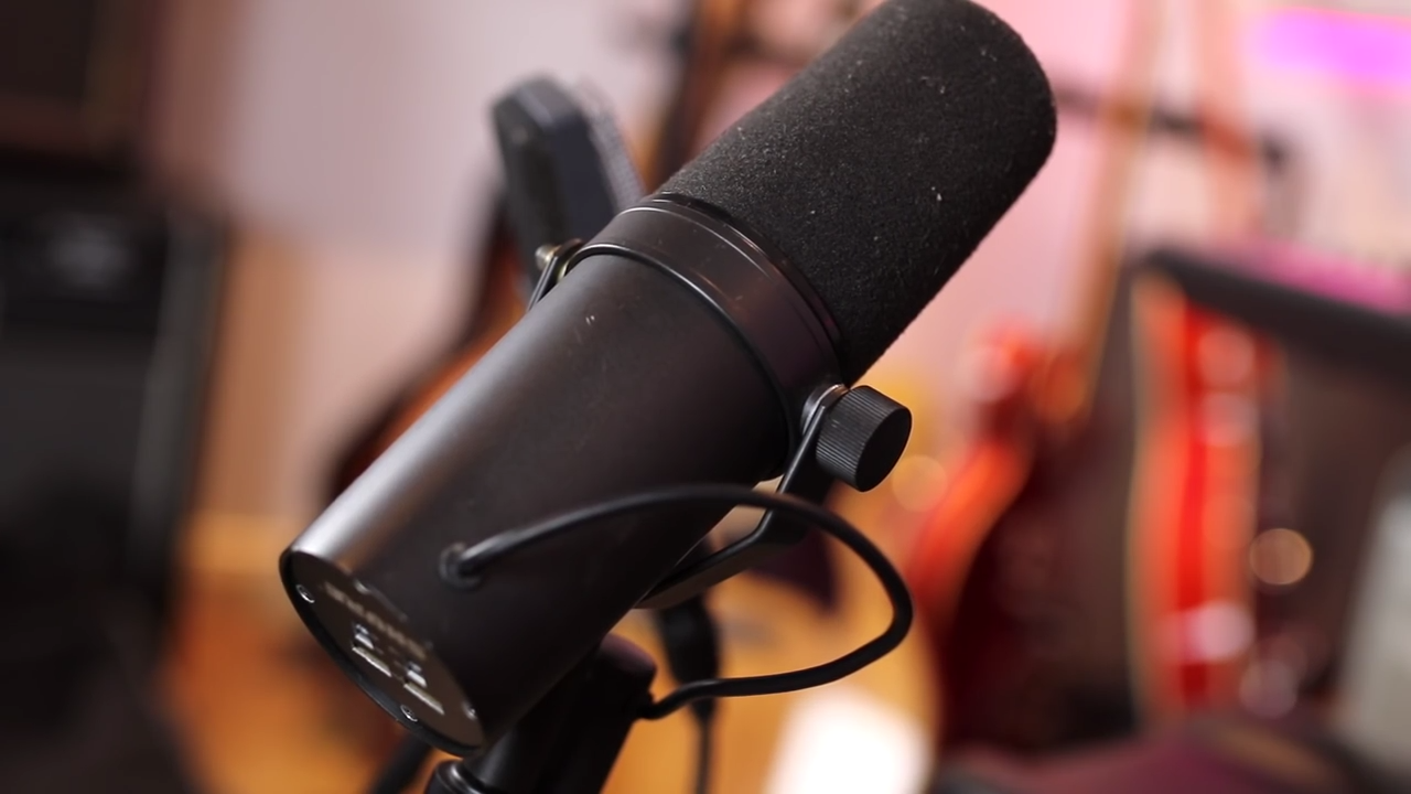 shure sm7b dynamic microphone voice over recording.png