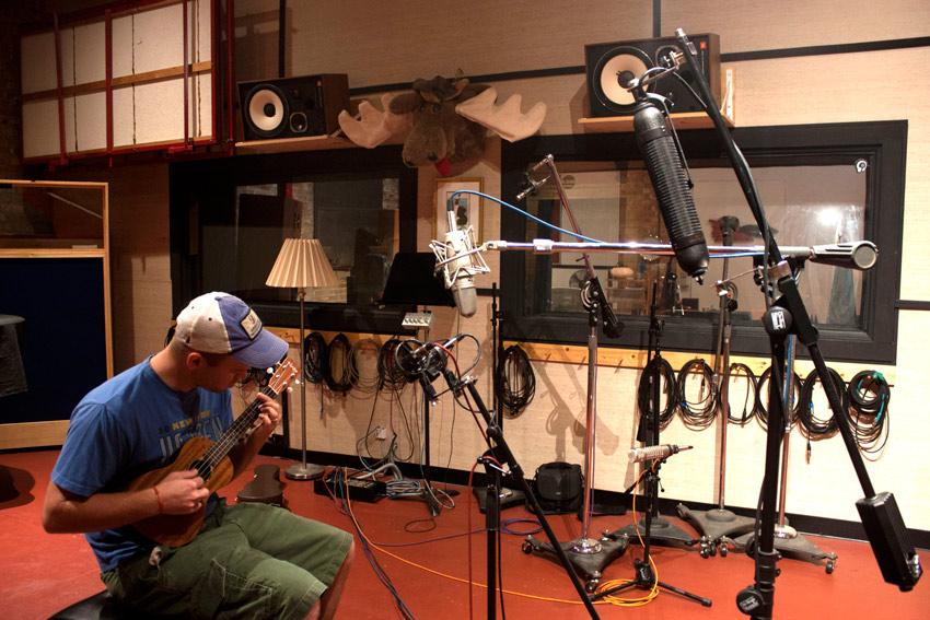 Noah Gilfillan, ukulele