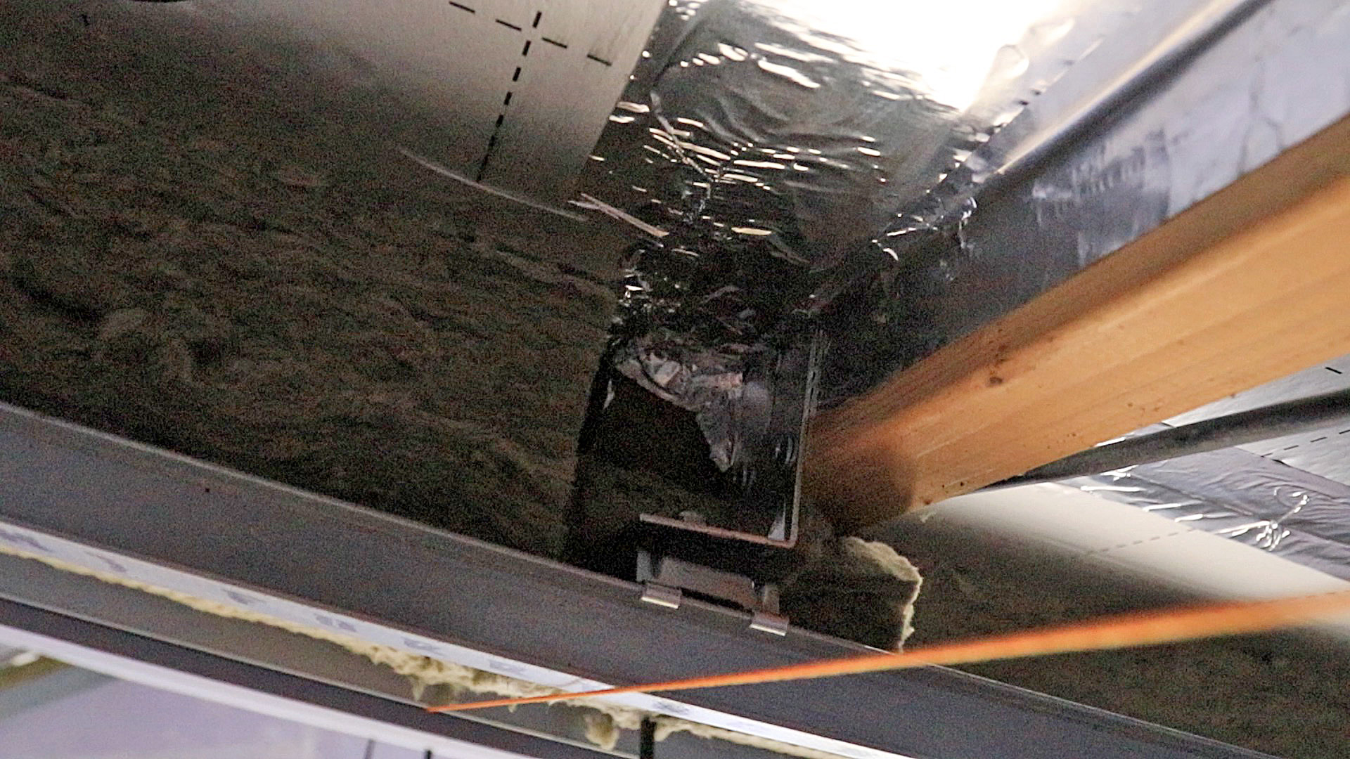 genie-clip-soundproof-ceiling-recording-studio.jpg