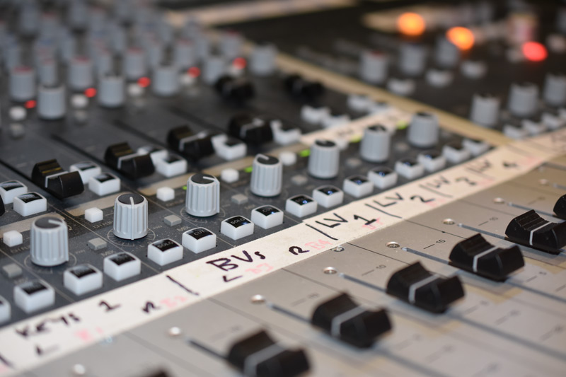 Audient-ASP8024HE-Console.jpg