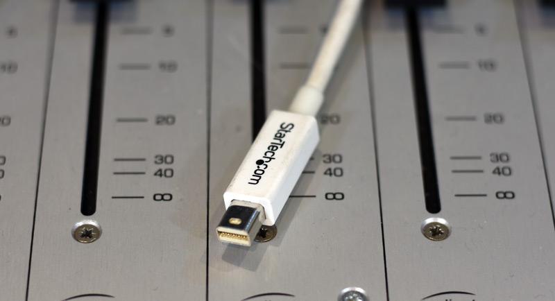 Thunderboolt-Cable.jpg