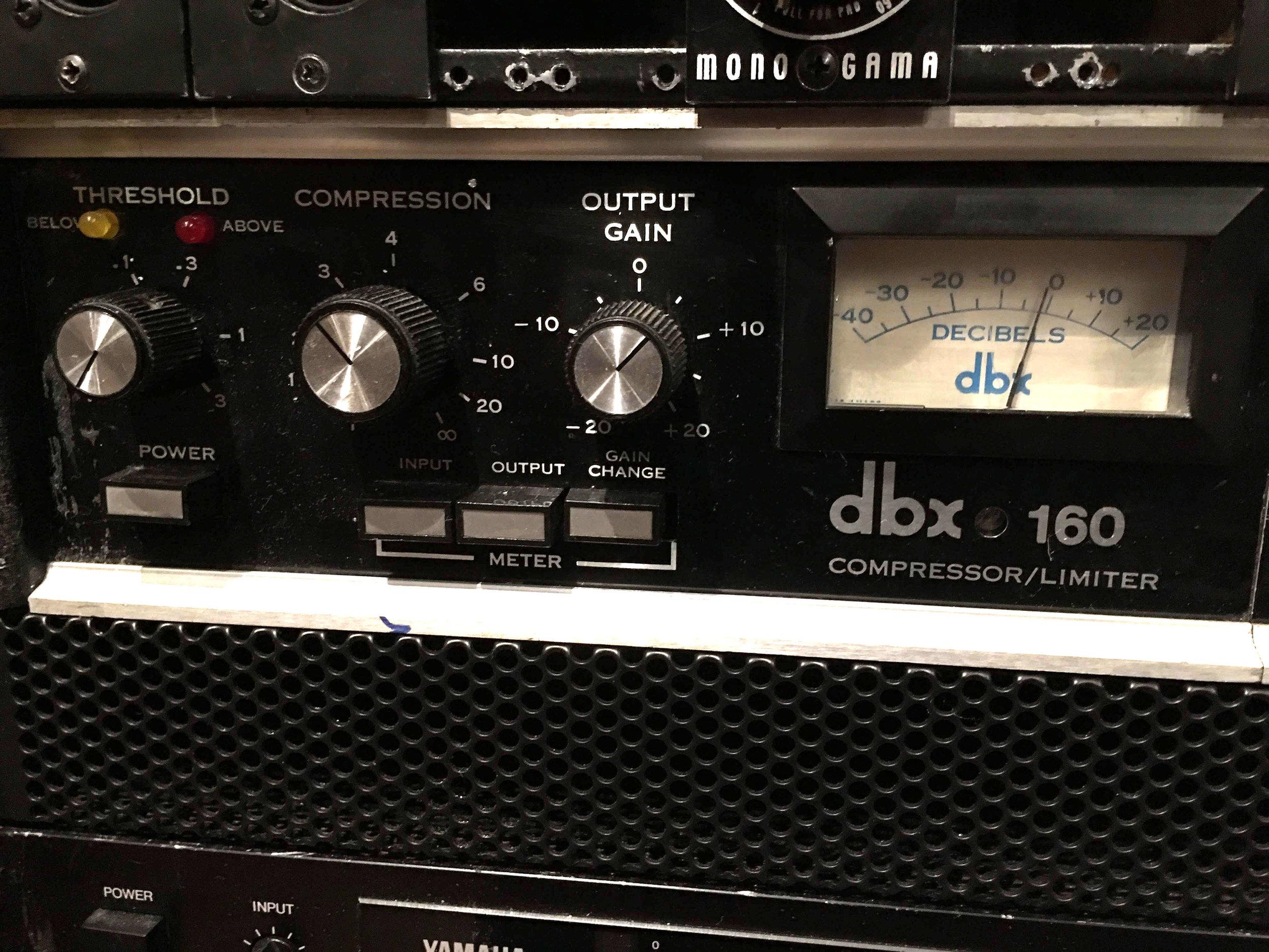 dbx160.jpg