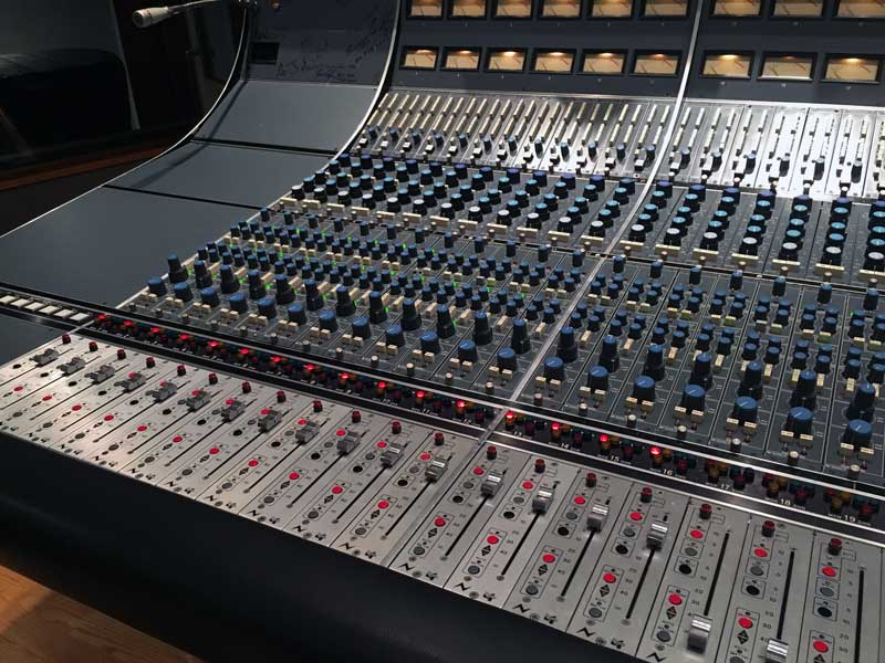 The Neve 8068 Console At Capitol Records Studio z
