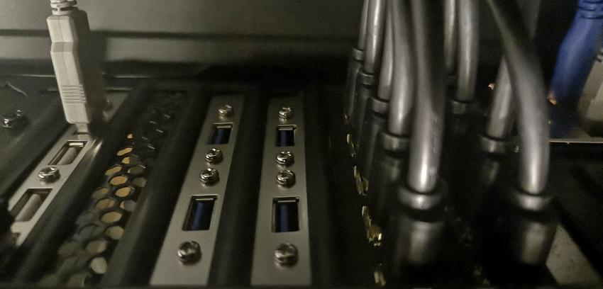 USB PORTS 850.jpg