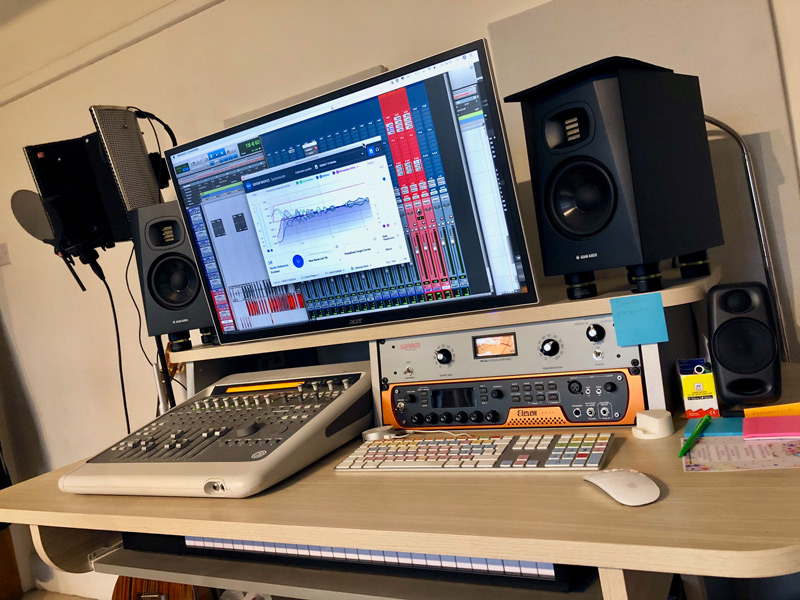 sonarworks-reference-speaker-calibration-software-in-the-studio-monitors.jpg