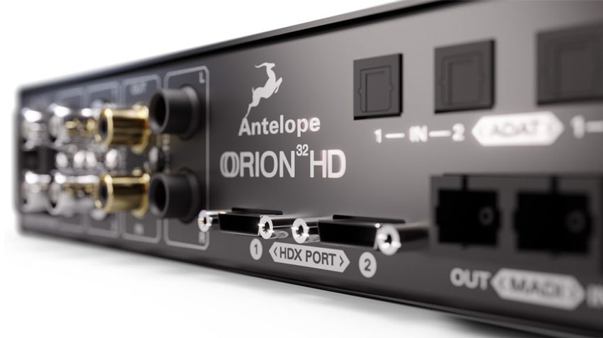 The 2 Mini DigiLink ports of the back of the Orion 32HD Gen 3.