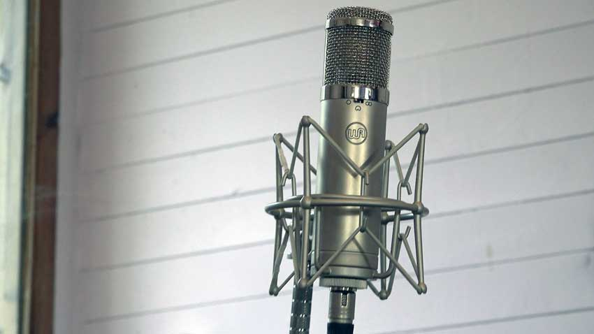 Warm Audio WA-47 Junior set to Omni being used as a room microphone