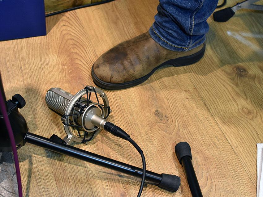 The fake kick or foot mic