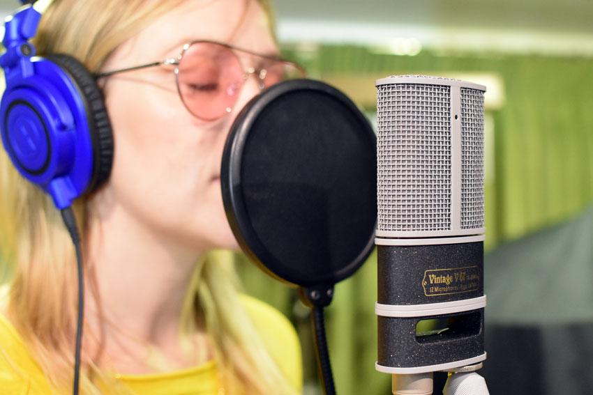 Recording vocals with the JZ Vintage V67.